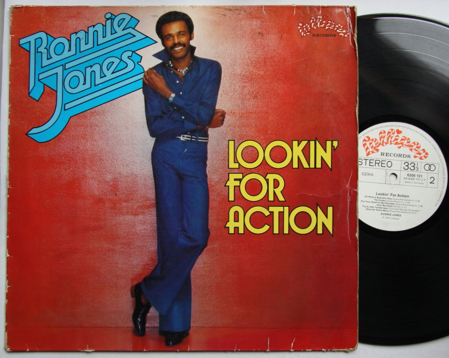 Ronnie Jones - Lookin' For Action
